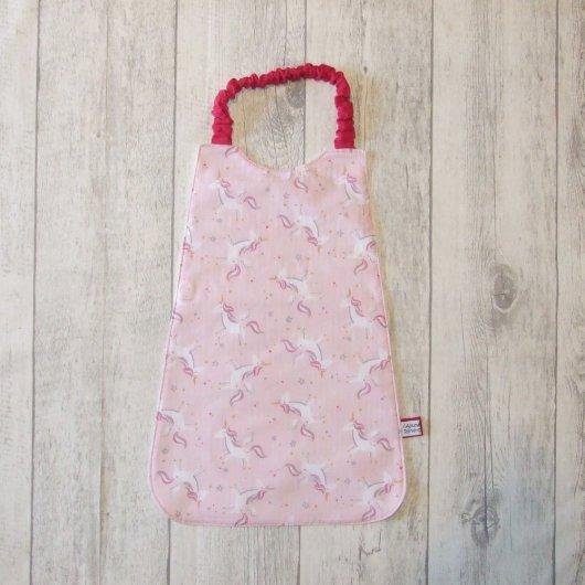 Serviette élastique imprimé licornes rose