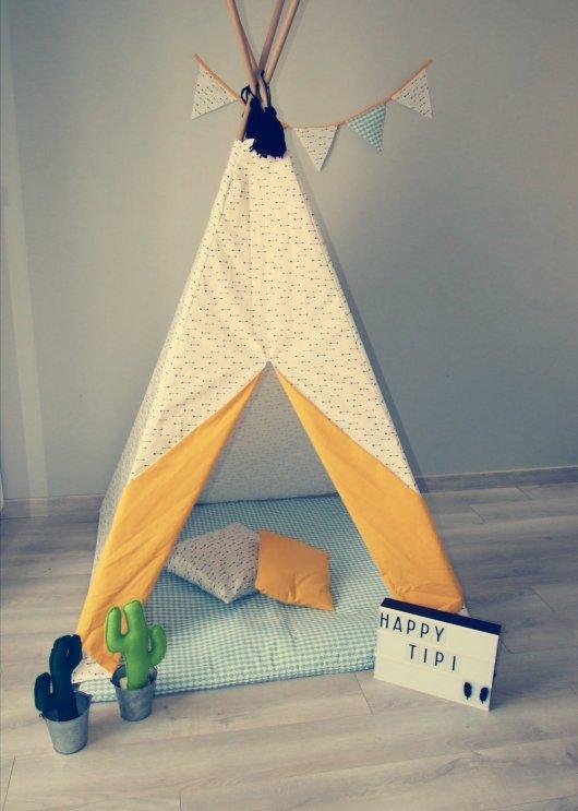 Tipi ET tapis en tissu pour enfant personnalisable selon vos souhaits